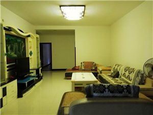 鳌峰中学3室 2厅 2卫1350元/月
