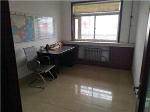渤海公寓3室 2厅 1卫1250元/月