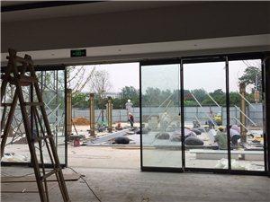 专业安装、维修玻璃门卷闸门