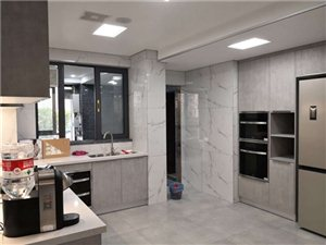 家装粉刷贴壁纸石膏线条乳胶漆拆除列逢修补