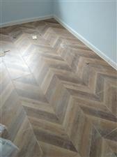 专业无尘安装木地板