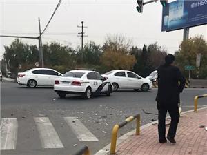 华滨楼路口车祸