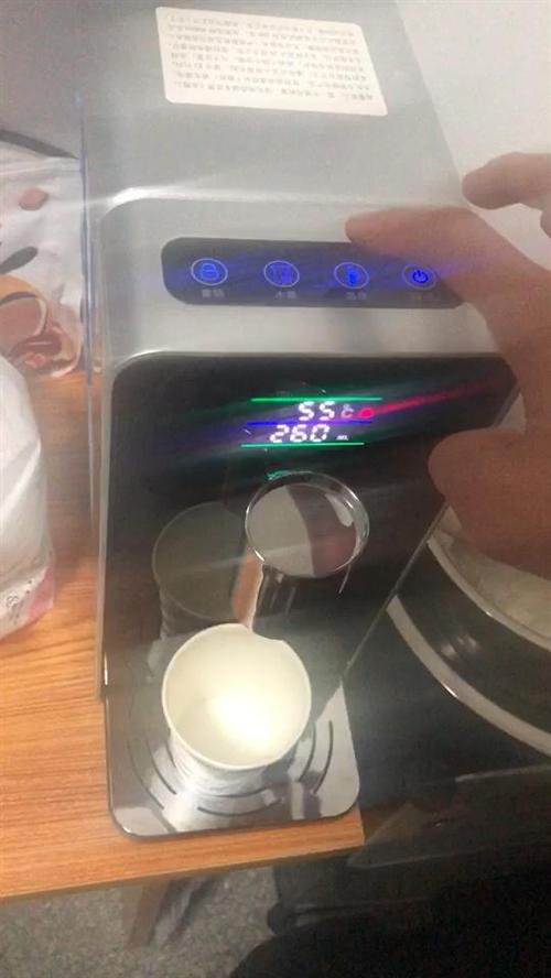 出售即热式饮水机,款式多,一秒钟出热水,微信464037137