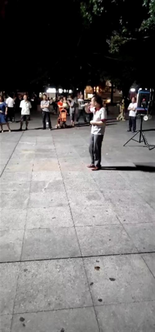 桂阳广场男高音