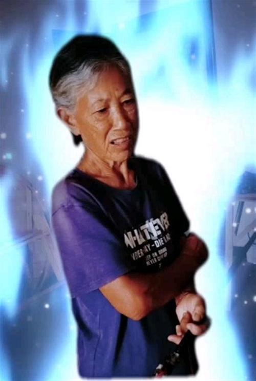 线下摄影八旬老人(李玲玉)这位大姐是泸州特兴镇种栽包谷能手!