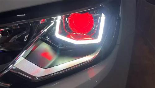 大众.凌渡,升级NHK海拉5双光透镜+专用双色日行灯灯芯+红色恶魔眼完美无损植入