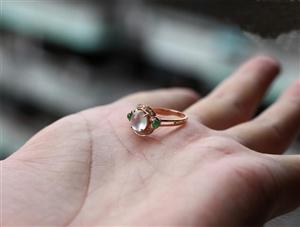 戴戒指有讲究,一个戒指戴出优雅淑女范