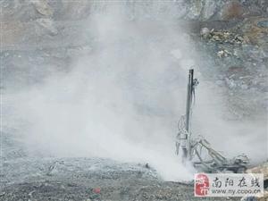 镇平县铂源建材、华夏石料厂非法私挖盗�国家资源数年无人敢