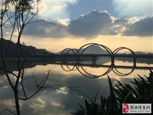 彩虹桥头夕阳红