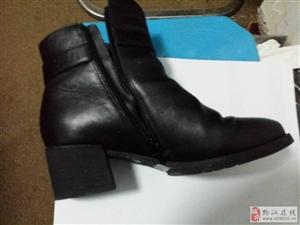 黔江佳慧女鞋专柜他她鞋子质量差,穿第一天就进水