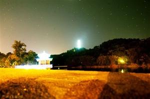 约吗?今晚石花山陪你看月亮!