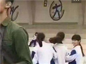 校草体育老师帅呆了 !惹得女同学频回头