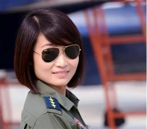 """这一天,""""金孔雀""""安葬故乡崇州,中国空军战机继续升空"""