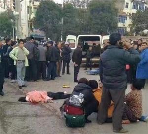 昨天,东乡环城路一学生被重型货车碾压,当场死亡。