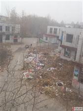 现在藁城商贸城都成垃圾城了,城管都放假了吗?