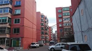 小区的楼粉刷一新看起来好看多了