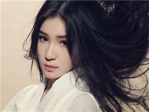 """庆庆推""""纯甄写真"""",一直以卓越的唱功和清新靓丽的外形引起广泛关注"""