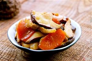 胡萝卜和它一起炒,香气十足营养翻倍,常吃视力和身体都杠杠的!