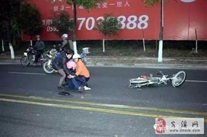 安溪龙门发生一起交通事故!一女子倒地不起,肇事者疑似逃逸……