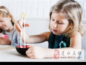 宝宝使用筷子的方法与技巧!