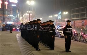 新春来临之际,万家团圆之时,警察蜀黍们还坚守在自己的岗位保家安民(图片)