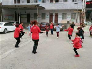 """MBI慈善100""捐赠仪式在黑坪小学举行"