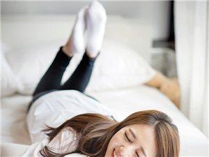 """被韩国媒体称为""""SSL之花""""的美女主持李贤京,近日放出不少最新私房美照"""