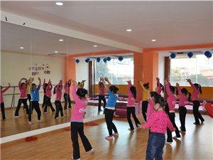 中国艺术教育微公益免费少儿舞蹈启蒙班开课了!