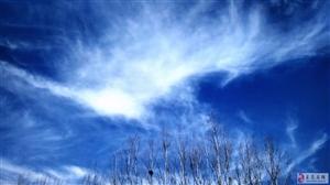 期盼�{�{的天空白云�h!