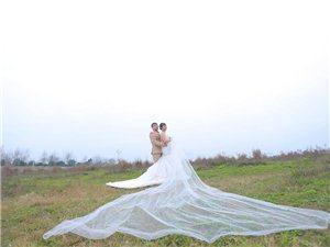 回归本质,8090婚纱摄影带给你全新的改变,真实的效果和自然的风格