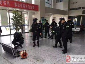 庆阳镇原县来了大批武装特警