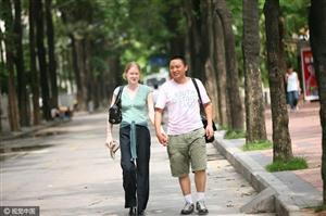不图车和房嫁给普通中国小伙的洋媳妇