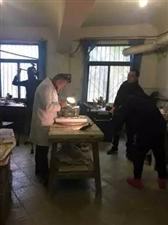 爆红文物的幕后整形师 人文纪实片《天府工匠》赴三星堆博物馆拍摄
