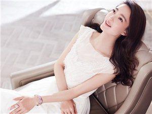 一颦一笑皆风情!王丽坤为某时尚杂志拍摄的一组婚纱大片尽显温婉大气