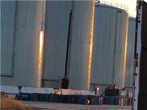 日月星工业园内疑似有人提炼地沟油