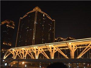 天津海河夜景游船随摄
