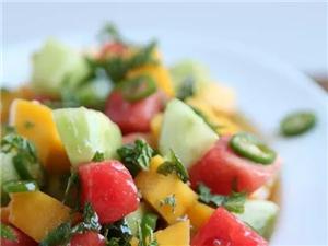 想做一份完美的水果沙拉,秘�E竟然是……