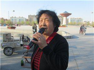 阜城县戏剧歌曲艺术团唱火了阜丰公园