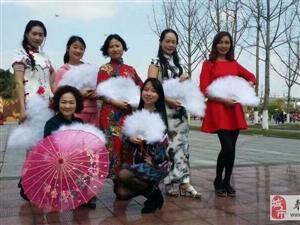 古筝旗袍,相得益彰,【微荞智慧教育古筝旗袍班】