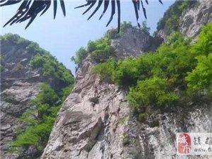 以文学的名义,镇雄威信两地作家探访云南最大天坑