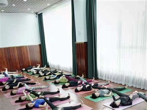 云水瑜伽这样就上三天免费课!?老板是要闹哪样?