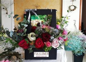 与花为伴 岁月静好 素手拈花FLOWER工作室,接受鲜花预定!