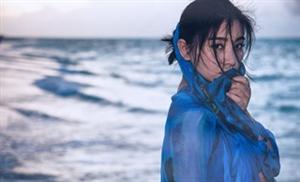 斓曦夏日海边唯美写真魅力迷人