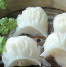美味的菠菜鸡蛋水晶饺
