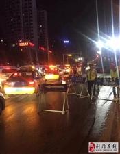 端午小长假:荆门交警为市民出行保驾护航!
