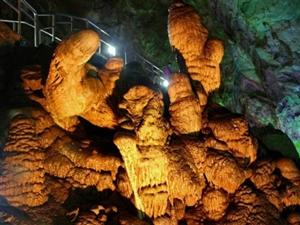 溶洞之美――认识芙蓉洞神奇的钟乳石