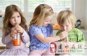 婴儿夏天易上火便秘 喝什么果汁好?
