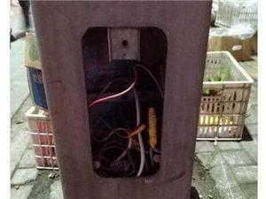 桐城街头这样的电线就裸露在外