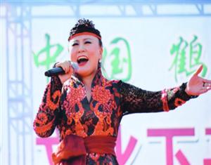 齐齐哈尔真是太美了 ――访中央民族歌舞团女高音歌唱家萨仁呼
