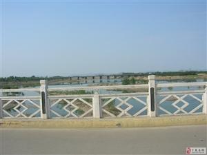 看夹河滩两桥飞架